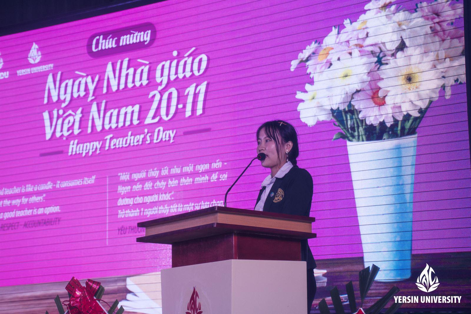 SV Nguyễn Thị Thắm - Lớp QTKD K12 phát biểu tri ân