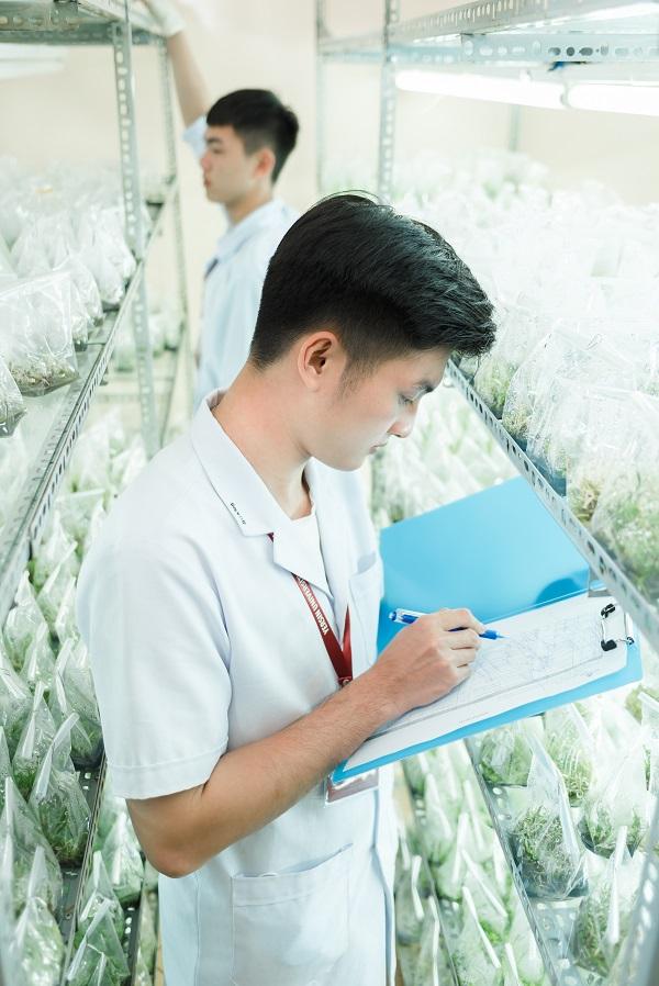 Sinh viên ngành công nghệ sinh học có thể tham gia làm việc ởlĩnh vực nông - lâm nghiệp và thủy sản