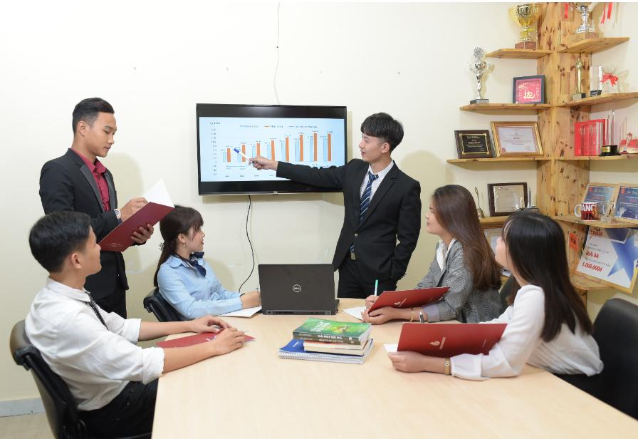 Ngành Quản trị kinh doanh Trường Đại học Yersin Đà Lạt