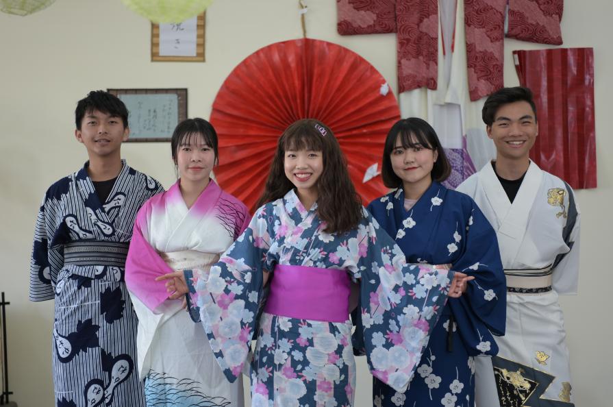 Sinh viên ngành Nhật Bản học trải nghiệm văn hóa Nhật Bản qua các chương trình thực tế.