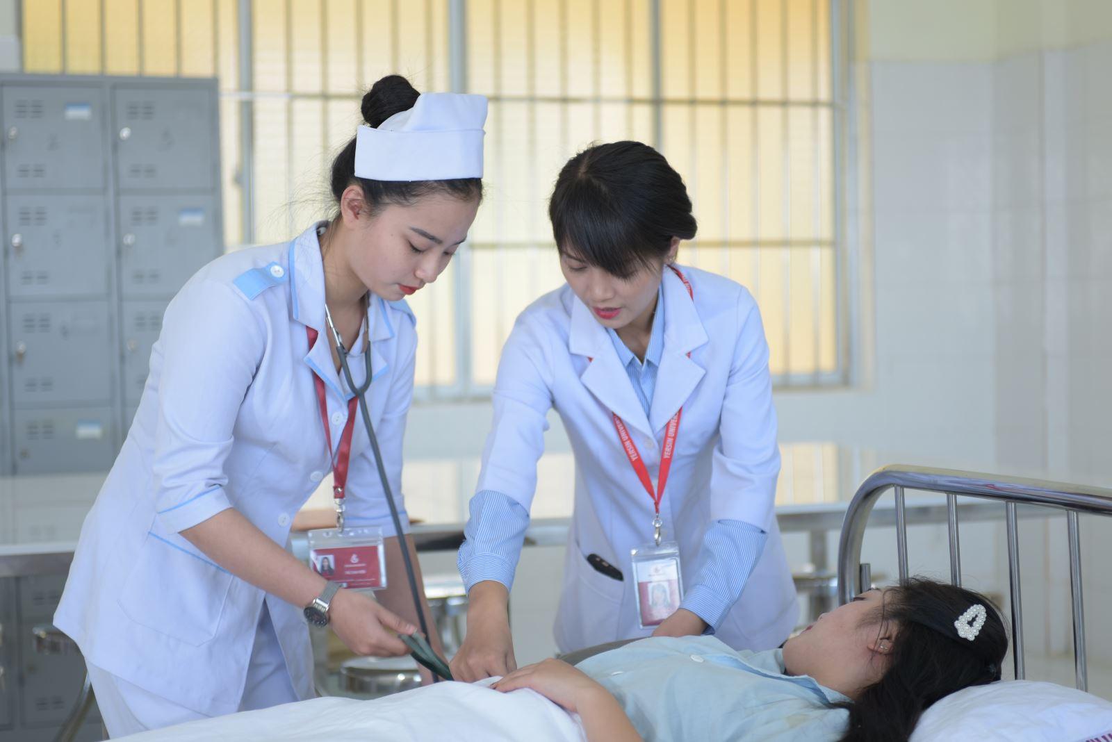 Ngành Điều dưỡng Trường Đại học Yersin Đà Lạt
