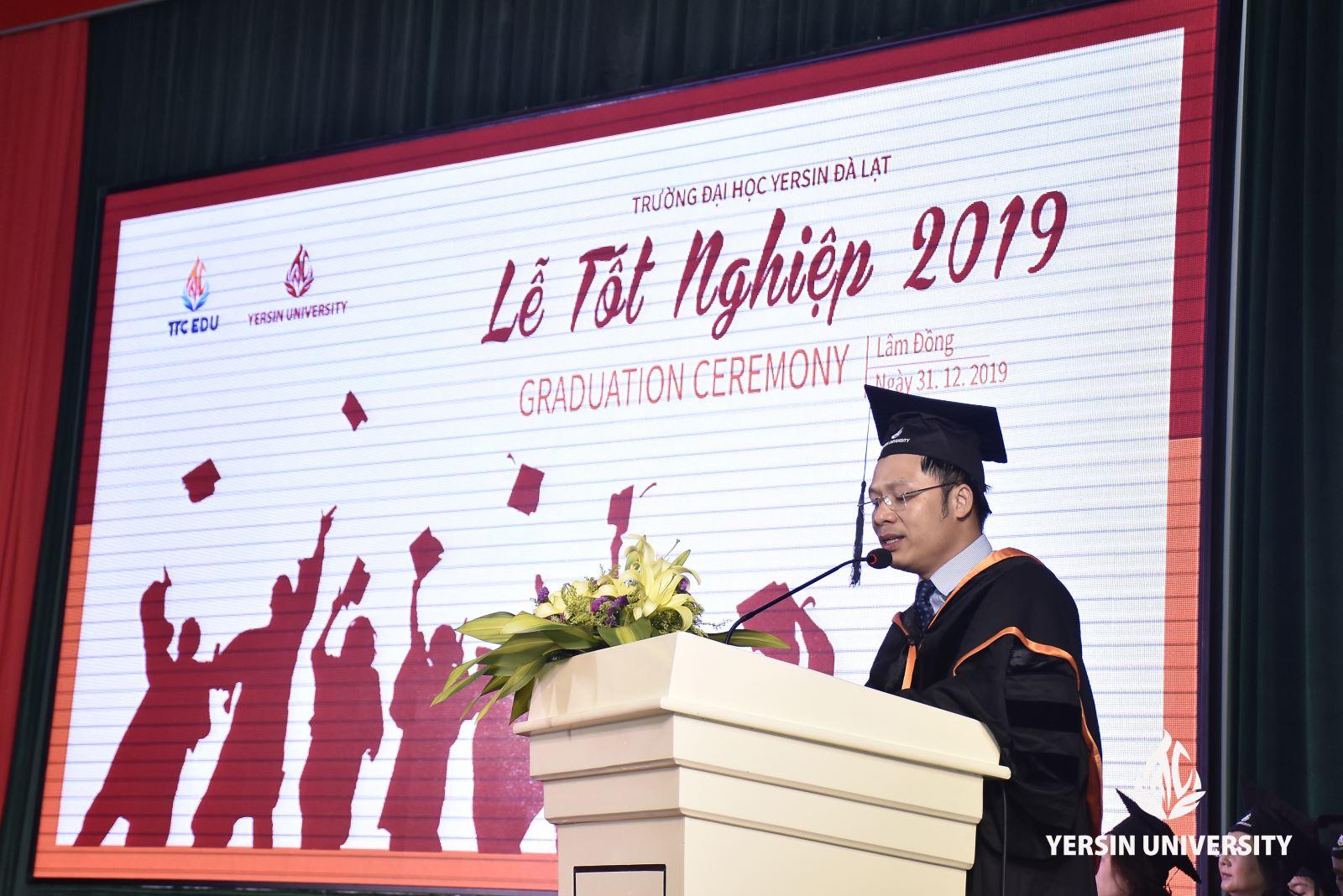 Lễ tốt nghiệp, Trường Đại học Yersin Đà Lạt