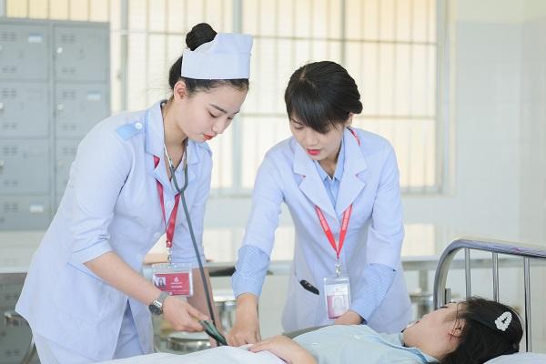 Điểm chuẩn ngành điều dưỡng thường khá cao