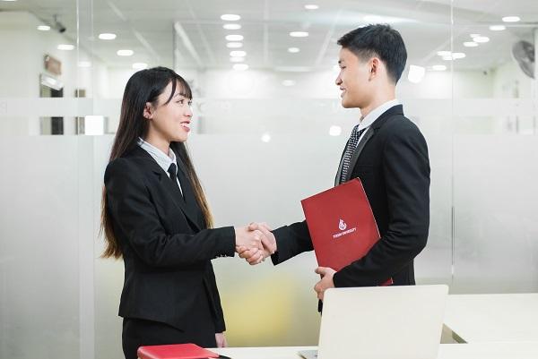 Sinh viên ngành Luật kinh tế Đại học Yersin Đà Lạt khi tốt nghiệp có thể đảm nhận tại nhiều vị trí khác nhau