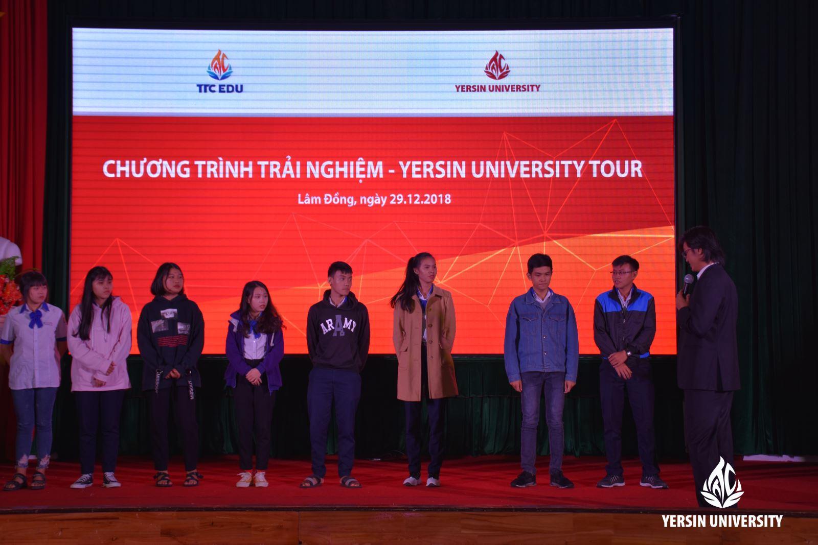 Ông Trịnh Trúc Linh – Giám đốc CTCP Công nghệ & Dịch vụ Nata Vietnam và ông Trần Lê Vinh – Giám đốc sản xuất Công ty DXC Vietnam chia sẻ tại chương trình.